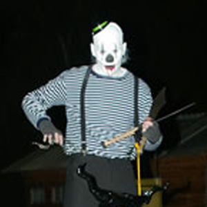 Halloween creep (stiltwalker)